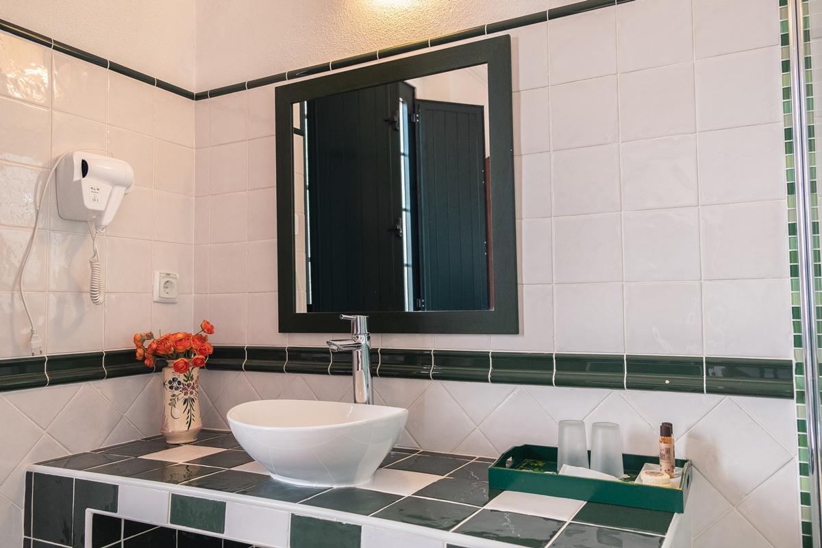 Casa de banho privativa em Herdade Vale de Cabras Turismo Rural Portl Alentejo